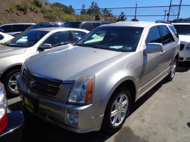 2005 CADILLAC SRX silver 87051 miles VIN 1GYEE637750107468