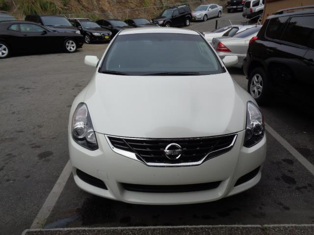 2013 NISSAN ALTIMA 25 S 2DR COUPE pearl white door handle color - body-colorexhaust - dual exha