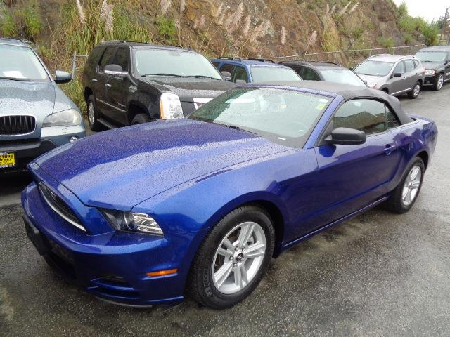 2013 FORD MUSTANG V6 CONVERTIBLE deep impact blue metallic 48540 miles VIN 1ZVBP8EM5D5214146