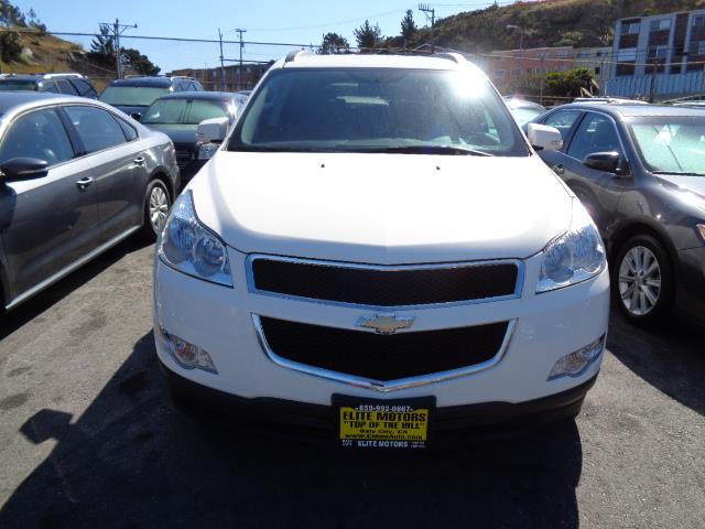 2012 CHEVROLET TRAVERSE LT 4DR SUV W 2LT white black granite metallic paintbody side moldings -