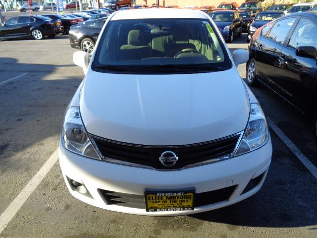 2012 NISSAN VERSA 18 S 4DR HATCHBACK 4A white aluminum kick platesbumper color - body-colordoo
