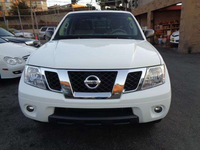 2014 NISSAN FRONTIER S CREW CAB 5AT 2WD white child safety door locks locking pickup truck tailg