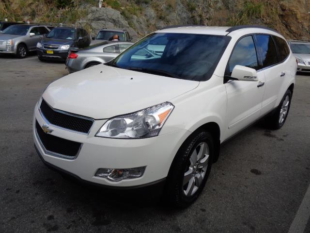 2012 CHEVROLET TRAVERSE LT 4DR SUV W 1LT pearl white heated seats backup camera 3rd row seat bl