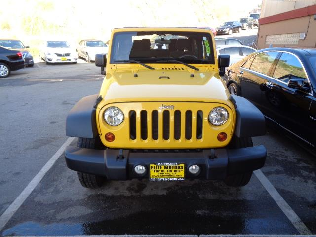 2011 JEEP WRANGLER SPORT 4X4 2DR SUV yellow ultra low mileage brand new condition cosmo blue pai