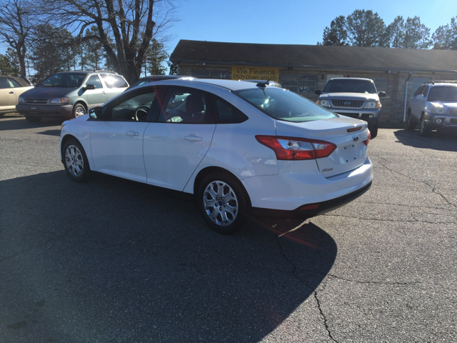 2012 Ford Focus SE 4dr Sedan - Hickory NC