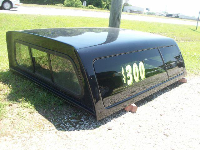 1900 Leer Truck camper shell (fits 2006