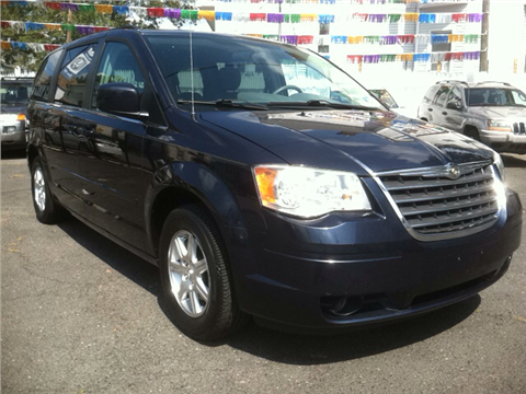 2008 Chrysler Town and Country for sale in Elizabeth, NJ