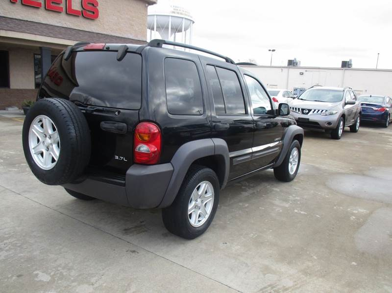 2004 jeep liberty sport 4dr suv in lawrenceburg tn deals. Black Bedroom Furniture Sets. Home Design Ideas