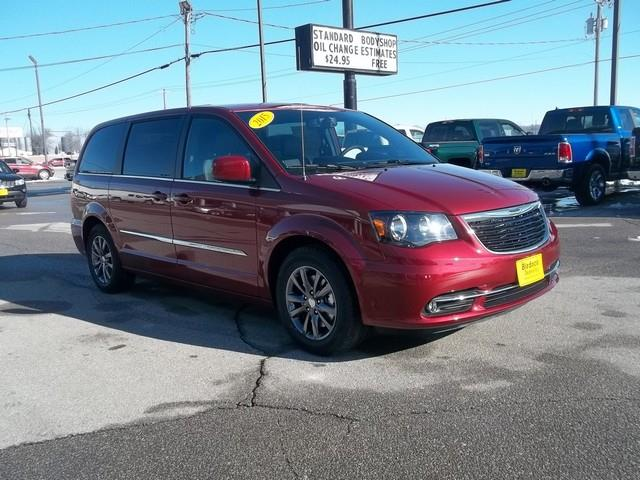 2015 chrysler town and country for sale in iowa. Black Bedroom Furniture Sets. Home Design Ideas