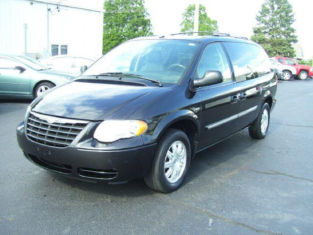 2007 Chrysler Town and Country for sale in GOODFIELD IL