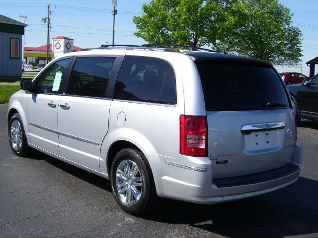 2010 Chrysler Town and Country for sale in GOODFIELD IL