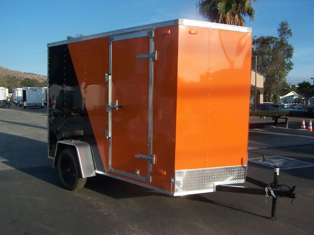 2015 6 X 10 ENCLOSED  LOOK