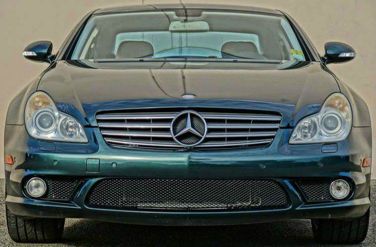 2007 MERCEDES-BENZ CLS-CLASS CLS550 4DR SEDAN jade green metallic this four-door coupe from merced