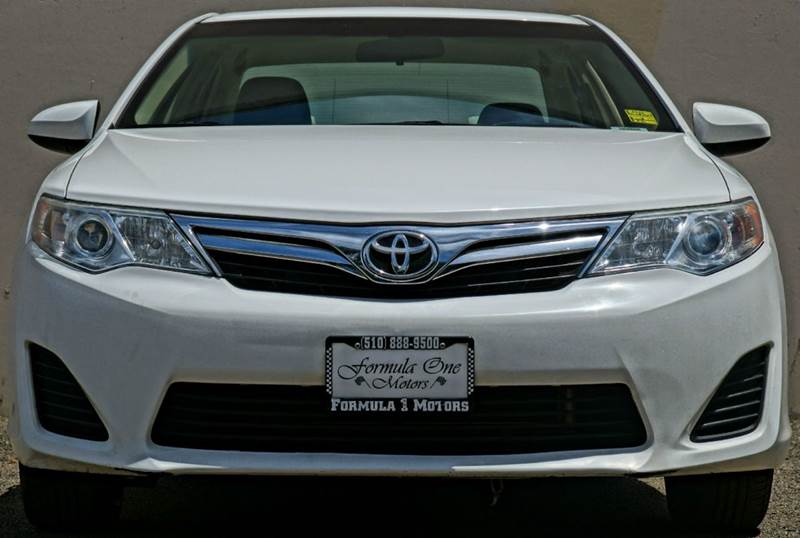 2012 TOYOTA CAMRY LE 4DR SEDAN super white 2-stage unlocking abs - 4-wheel air filtration airb