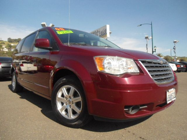 2008 CHRYSLER TOWN  COUNTRY TOURING maroon stow n go seating  carfax cer