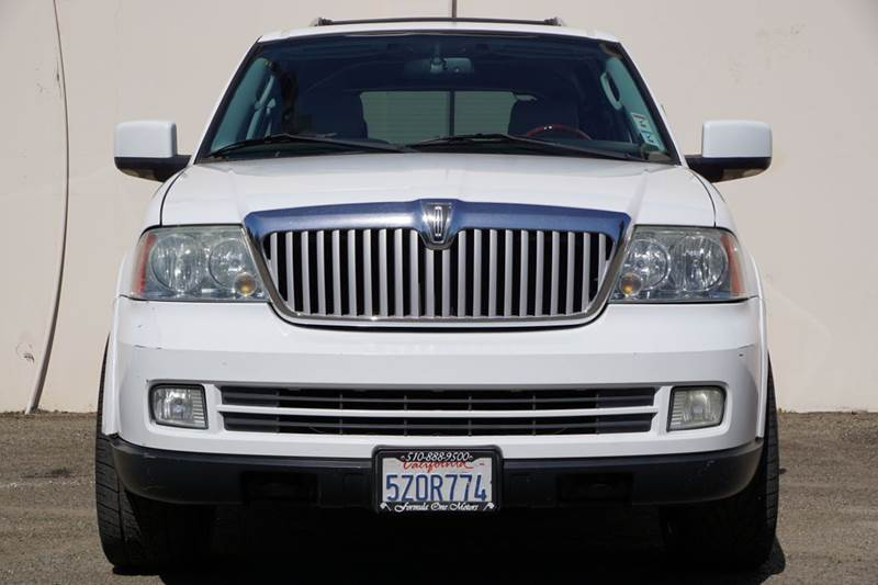 2006 LINCOLN NAVIGATOR LUXURY 4DR SUV white abs - 4-wheel adjustable pedals - power air suspens