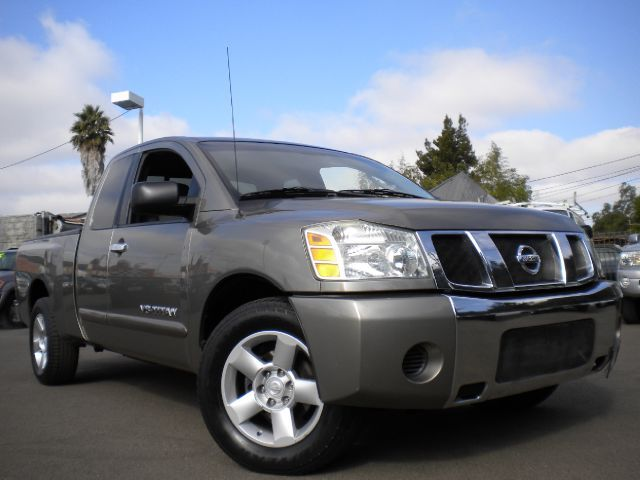 2006 NISSAN TITAN XE KING CAB 2WD gray this is a very clean king cab titan with installed bed line