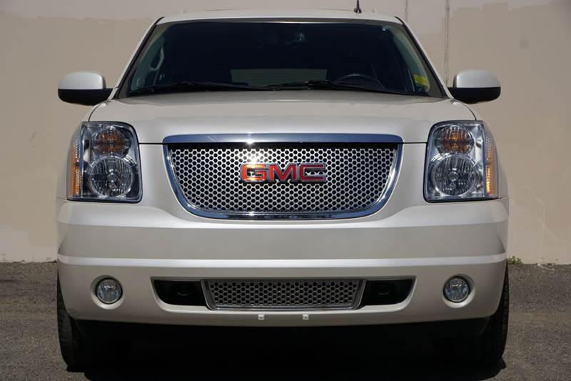 2012 GMC YUKON XL DENALI 4X2 XL 4DR SUV summit white 2-stage unlocking doors abs - 4-wheel adjus