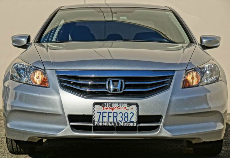 2011 HONDA ACCORD LX-P 4DR SEDAN satin silver metallic abs - 4-wheel active head restraints - du