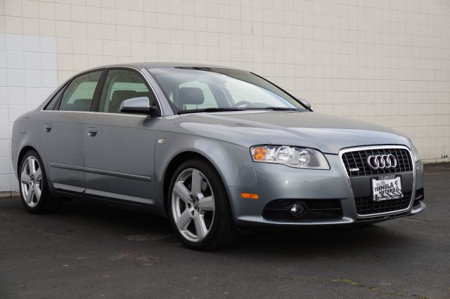 2006 AUDI A4 20T QUATTRO light silver metallic this beautiful light silver metallic a4 quarto is
