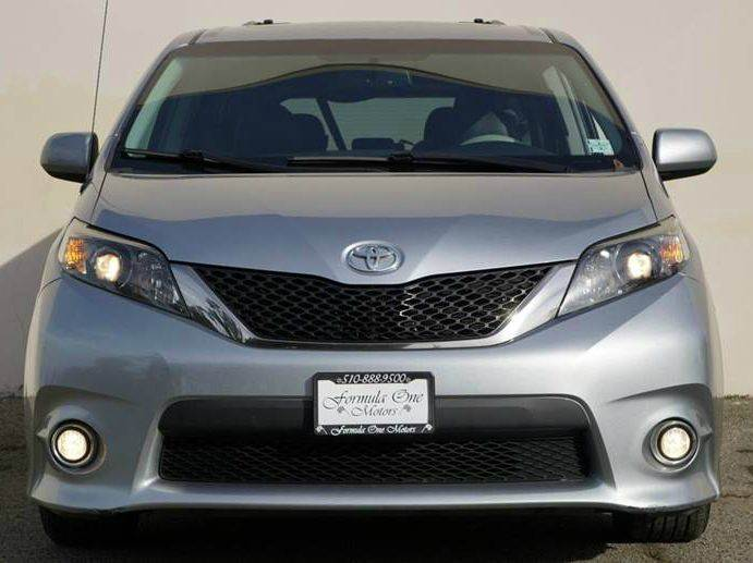 2012 TOYOTA SIENNA SE 8-PASSENGER 4DR MINI VAN unspecified this toyota sienna appeals to a wide ra
