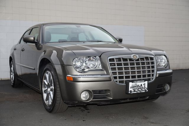 2008 CHRYSLER 300 LIMITED light sandstone metallic clear this light sandstone metallic 300 limited