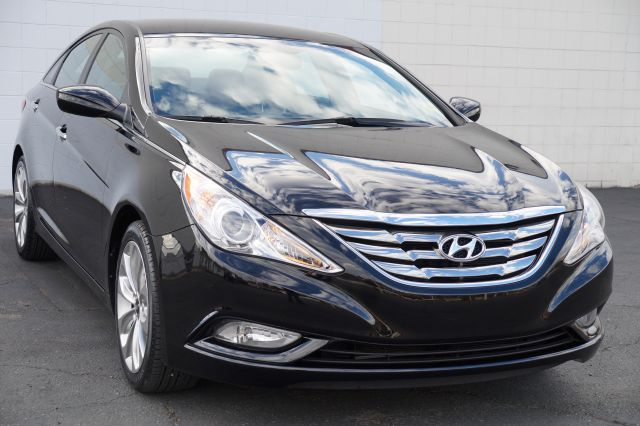 2011 HYUNDAI SONATA SE AUTO phantom black metallic abs brakesair conditioningalloy wheelsamfm
