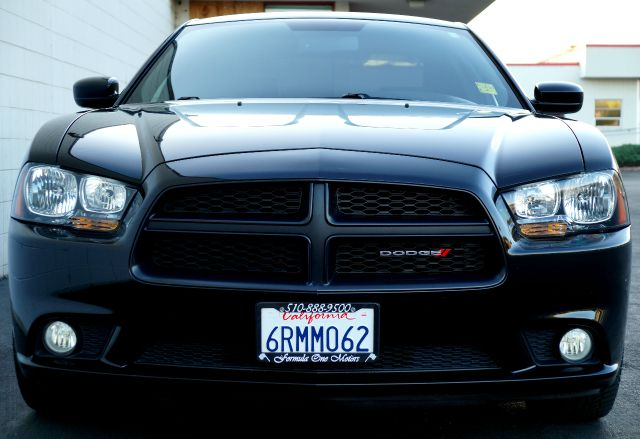 2013 DODGE CHARGER SE 4DR SEDAN phantom black tri-coat pearl almost all dodge products emphasize p
