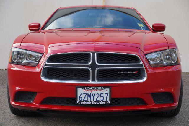 2013 DODGE CHARGER SE 4DR SEDAN torred torred red 36l v6 sxt charger with black interior  separa