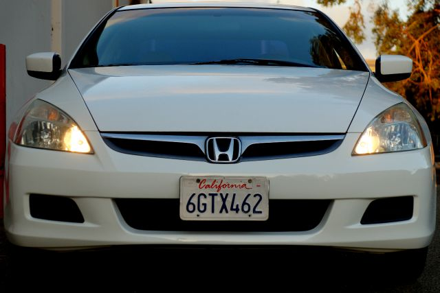2006 HONDA ACCORD EX V-6 4DR SEDAN taffeta white no other sedan puts together all the elements of