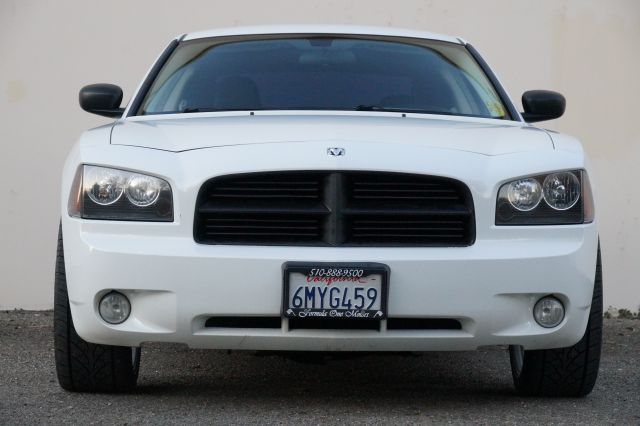 2010 DODGE CHARGER SXT 4DR SEDAN stone white clearcoat 2-stage unlocking - remote abs - 4-wheel