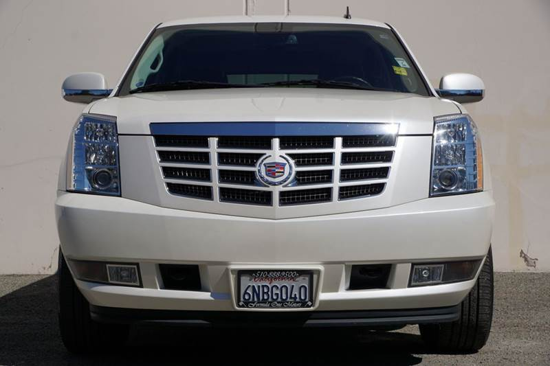 2011 CADILLAC ESCALADE BASE 4DR SUV 2-stage unlocking doors abs - 4-wheel active head restraints
