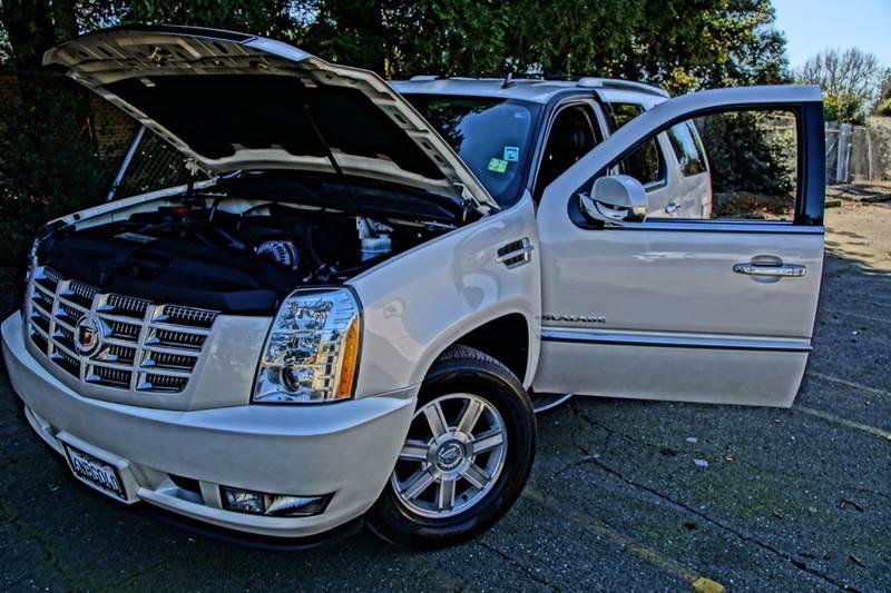 2011 Cadillac Escalade Base 4dr SUV - Hayward CA