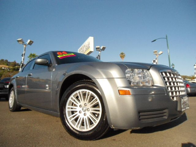 2006 CHRYSLER 300 BASE unspecified air conditioningamfm radioanti-brake system non-abs  4-whe