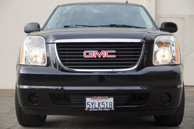 2007 GMC YUKON SLE 4DR SUV W3SA black onyx 2007 gmc yukon 22 inch custom chrome  wheels and tire