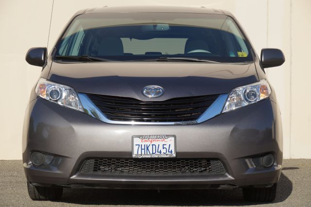 2011 TOYOTA SIENNA LE 8-PASSENGER 4DR MINI VAN V6 unspecified 2-stage unlocking - remote abs - 4