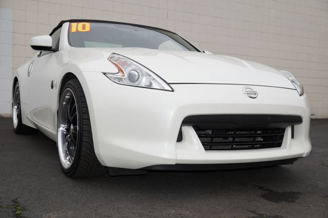 2010 NISSAN 370Z TOURING ROADSTER pearl white pearl white 370z touring roadster 37l v6 shiftable
