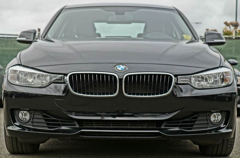 2013 BMW 3 SERIES 328I 4DR SEDAN black sapphire metallic the 2013 bmw 3-series soldiers on as a pa