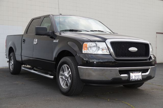 2007 FORD F150 XLT SUPERCREW 2WD black clearcoat this black f150 super crew xlt has a standard pay