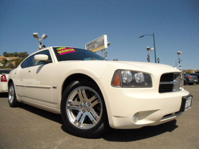 2006 DODGE CHARGER RT white abs brakesair conditioningalloy wheelsamfm radioanti-brake syste