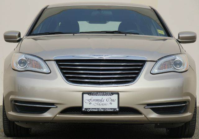 2013 CHRYSLER 200 LX 4DR SEDAN pebble beige cloth top 2-stage unlocking - remote abs - 4-wheel