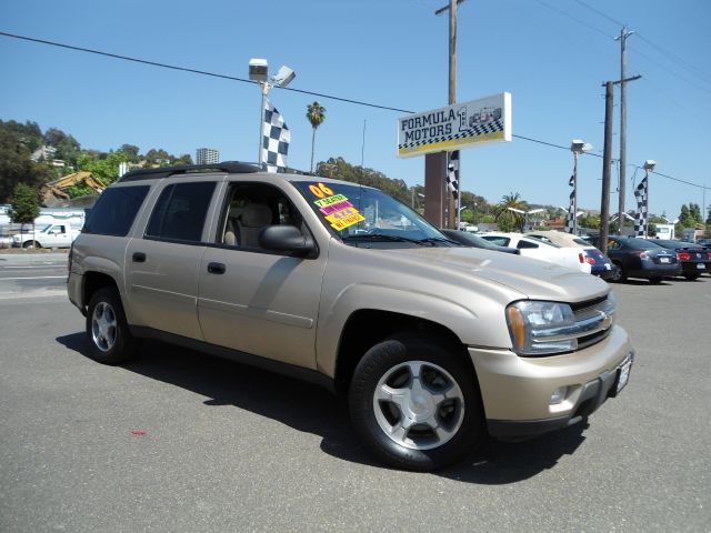 2006 CHEVROLET TRAILBLAZER LS 4WD tan 4wdawdabs brakesair conditioningalloy wheelsamfm radio