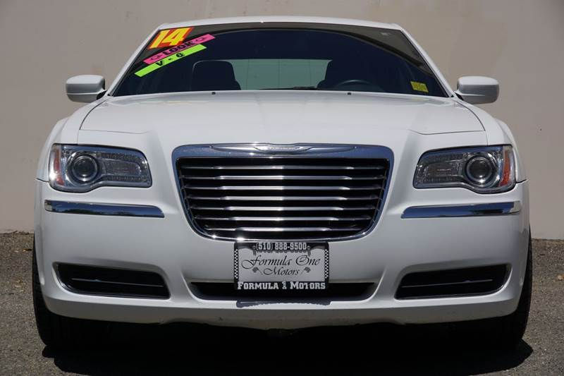 2014 CHRYSLER 300 BASE 4DR SEDAN bright white clearcoat 2-stage unlocking doors abs - 4-wheel ac