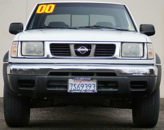 2000 NISSAN FRONTIER XE 4DR CREW CAB SB cloud white abs - 4-wheel axle ratio - 436 bumper color