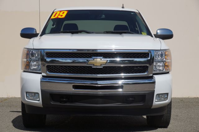 2009 CHEVROLET SILVERADO 1500 LT 4X2 PICKUP CREW CAB 4DR summit white abs - 4-wheel airbag deact