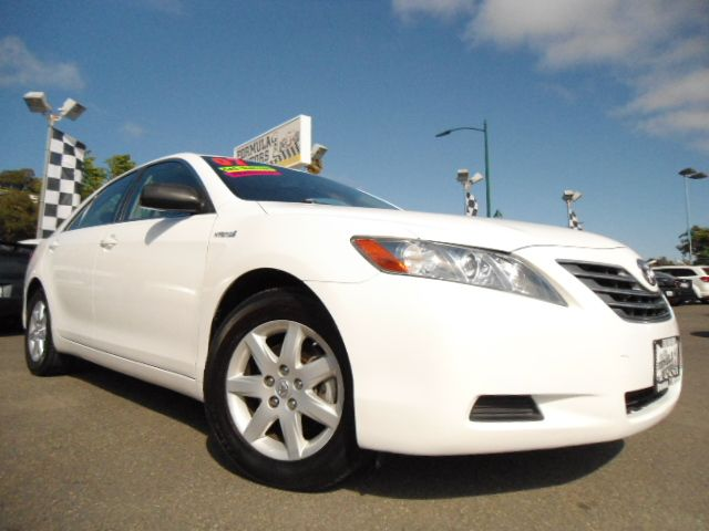 2007 TOYOTA CAMRY SEDAN white this is a super clean and fully loaded 2007 toyota camry hybrid  it