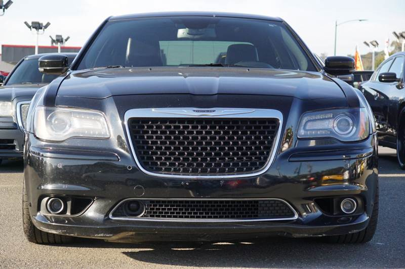 2012 CHRYSLER 300 SRT8 4DR SEDAN gloss black 2-stage unlocking doors abs - 4-wheel active head r