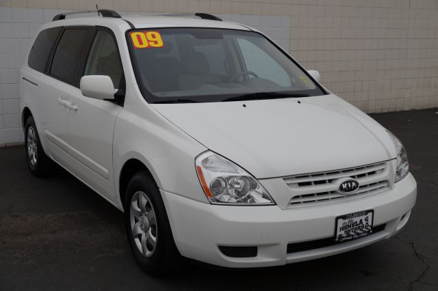2009 KIA SEDONA LX LWB white white 7 passenger sedona  beige interior with removable second row s