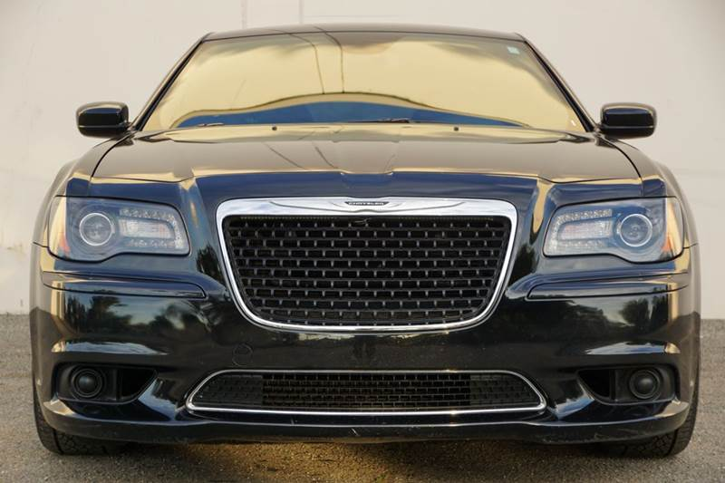 2014 CHRYSLER 300 SRT8 CORE 4DR SEDAN phantom black tri-coat pearl exceptionally smooth and quiet
