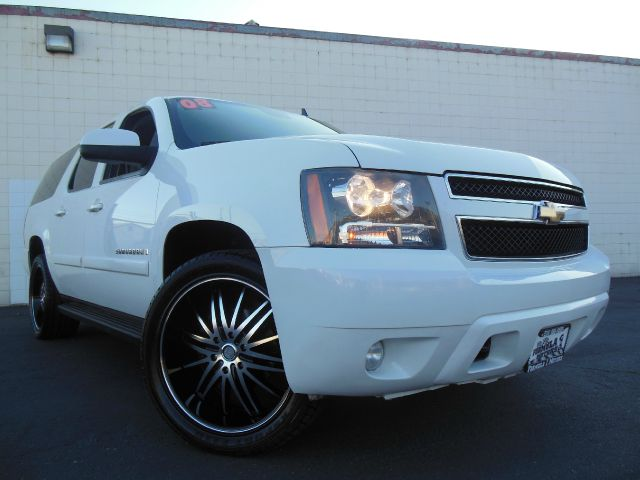2008 CHEVROLET SUBURBAN LT1 1500 4WD summit white summit white 4wdawd 1500 lt1 53l v8 with 4 spe